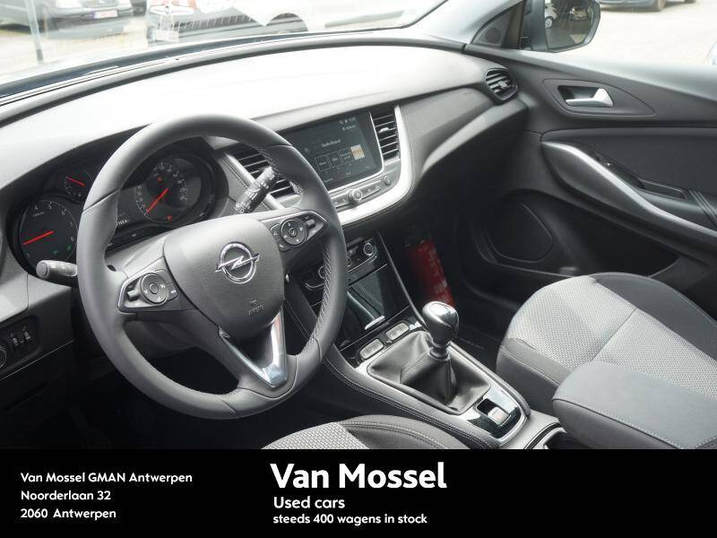 Opel Grandland X 1.2T Design line